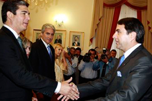 Rody_Godoy_jura_como_Ministro_en_Paraguay_372x282